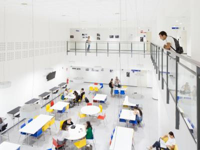 Pignolo - Room with students
