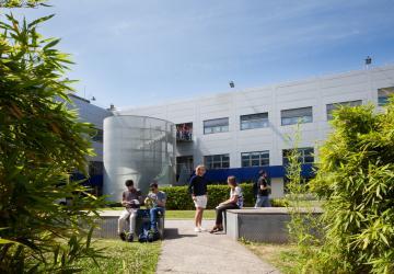 Campus Caniana - Economics